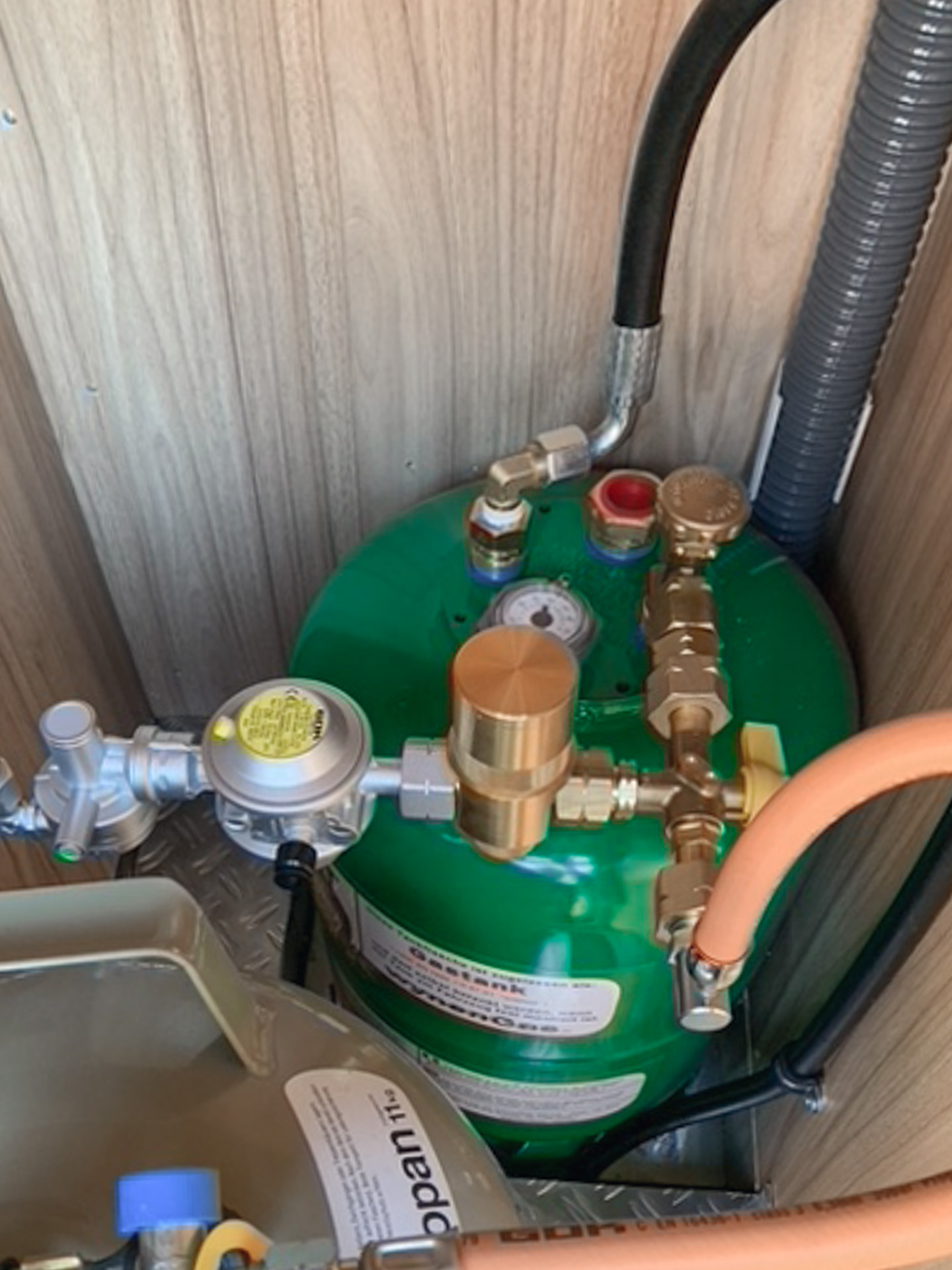 Einbau betankbare Gasflasche (Wynen) Hymer ML-T 580